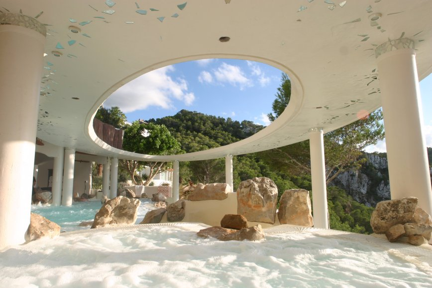 Cascadas Suspendidas - outdoor Spa in Ibiza
